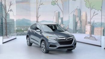 Honda HR-V TV Spot, 'City Living & Outdoor Adventure' [T2] - Thumbnail 9