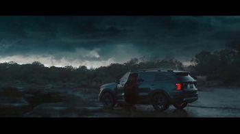 2021 Kia Sorento TV Spot, 'Cazadora de tormentas' [Spanish] [T1] - Thumbnail 6
