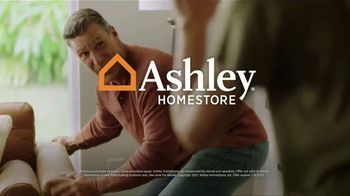 Ashley HomeStore Sale + Clearance Event TV Spot, '40% Off Hot Buys' - Thumbnail 7