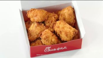Chick-fil-A Nuggets y Mac & Cheese TV Spot, 'Ricky' [Spanish] - Thumbnail 2