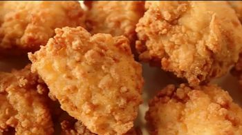 Chick-fil-A Nuggets y Mac & Cheese TV Spot, 'Ricky' [Spanish] - Thumbnail 4