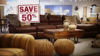 La-Z-Boy Inventory Overstock Sell Off TV Spot, 'Save 50%' - Thumbnail 4