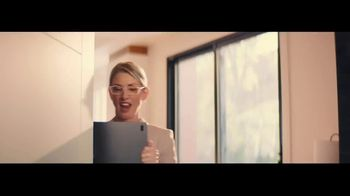 RE/MAX TV Spot, 'Frozen' - Thumbnail 1