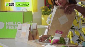 HelloFresh TV Spot, 'Meals With Mindy: Pork Tacos' Featuring Mindy Kaling - Thumbnail 4