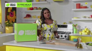 HelloFresh TV Spot, 'Meals With Mindy: Pork Tacos' Featuring Mindy Kaling - Thumbnail 6