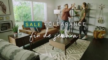 Ashley HomeStore Sale + Clearance TV Spot, 'Mesa de comedor y sofás' [Spanish] - Thumbnail 2