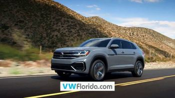 Volkswagen Sign Then Drive Event TV Spot, 'Better Year-End Clearance: Holiday' [T2] - Thumbnail 6