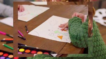 Michaels TV Spot, 'Holidays: Refrigerator Drawing' - Thumbnail 5