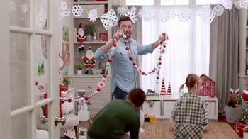 Michaels TV Spot, '50% Off Christmas Floral & Decor' - Thumbnail 4