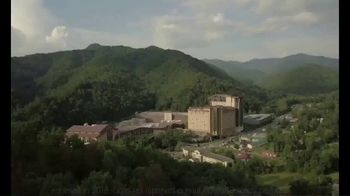 Harrah's Cherokee Casinos TV Spot, 'Getaway' - Thumbnail 1