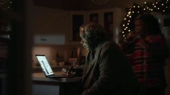 The Home Depot TV Spot, 'Espíritu navideño' [Spanish] - Thumbnail 3