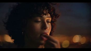 Ferrero Rocher TV Spot, 'Rooftop Moments' Song by Shannon LaBrie - Thumbnail 7