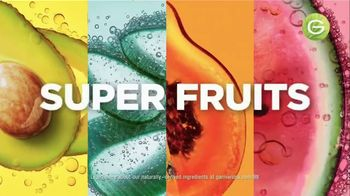 Garnier Fructis Treats 3-in-1 Hair Masks TV Spot, 'Super Fruits' Song by Lizzo - Thumbnail 4