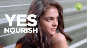 Garnier Fructis Treats 3-in-1 Hair Masks TV Spot, 'Super Fruits' Song by Lizzo - Thumbnail 7