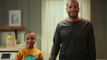 Arm & Hammer Laundry Plus OxiClean With Odor Blasters TV Spot, 'Beloved Sweatshirt' - Thumbnail 9