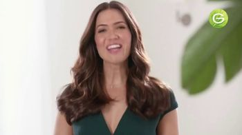 Garnier Nutrisse Nourishing Color Creme TV Spot, '77 Nourishing Shades' Featuring Mandy Moore, Song by Lizzo - Thumbnail 8