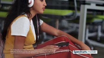 Spectrum Mobile TV Spot, 'Fox 11: SportsWrap' - Thumbnail 4
