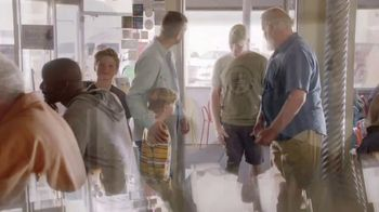 The Foundation for a Better Life TV Spot, 'Thank You for Your Service' Song by Zac Brown Band - Thumbnail 5
