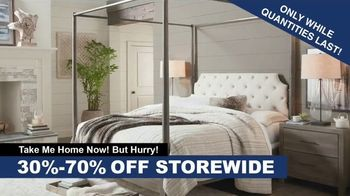 Bassett Fall Clearance Event TV Spot, 'Move Out the Old' - Thumbnail 3