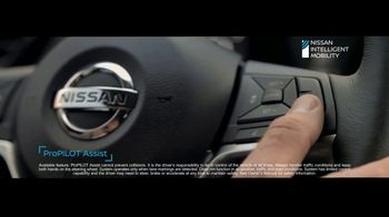 2020 Nissan Rogue TV Spot, 'The Moments That Matter Most' Song by Human Resources [T2] - Thumbnail 4
