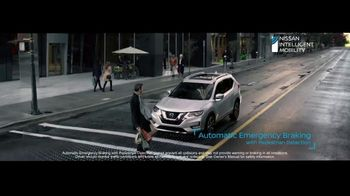2020 Nissan Rogue TV Spot, 'The Moments That Matter Most' Song by Human Resources [T2] - Thumbnail 6