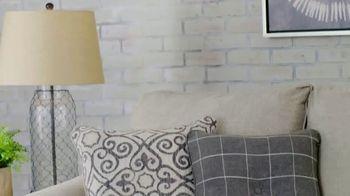 Ashley HomeStore Lowest Prices of the Season TV Spot, 'Últimos días' [Spanish] - Thumbnail 4