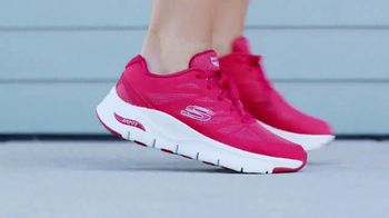 SKECHERS ArchFit TV Spot, 'For Sport and Casual' - Thumbnail 10