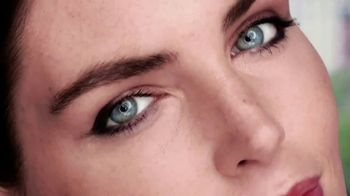 Clear Eyes TV Spot, 'Your Eyes Deserve the Best' Featuring Hilary Rhoda - Thumbnail 5