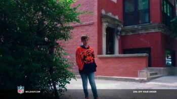 NFL Shop TV Spot, 'Make the Colors Hit: 25% Off' Song by KYLE, K CAMP, Rich the Kid - Thumbnail 2