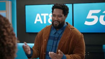 AT&T Wireless TV Spot, 'Word of Mouth Advertising' - Thumbnail 6