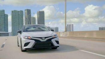 Toyota TV Spot, '2020 Premios Billboard' con Manuel Turizo, Lali [Spanish] [T1] - Thumbnail 5