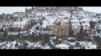 2021 Chevrolet Silverado Trail Boss TV Spot, 'Lo que menos necesitas es una carretera' [Spanish] [T1] - Thumbnail 7