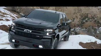2021 Chevrolet Silverado Trail Boss TV Spot, 'Lo que menos necesitas es una carretera' [Spanish] [T1] - Thumbnail 2