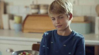 Fage Total Yogurt TV Spot, 'Strawberry Sunrise' - Thumbnail 6