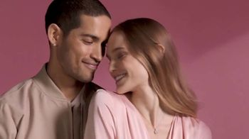 Kay Jewelers TV Spot, 'Valentine's Day: Give More Love: 25-50% Off'
