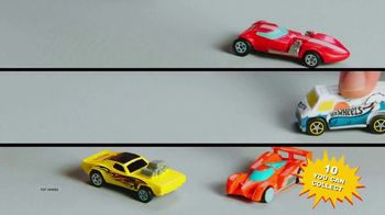 Finders Keepers Hot Wheels TV Spot, 'Revving It Up' - Thumbnail 5