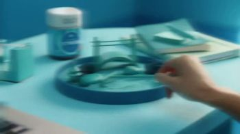 Olly Nutrition Goodbye Stress Gummies TV Spot, 'Calm the Chaos' - Thumbnail 1