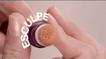 Maybelline New York Instant Age Rewind Eraser TV Spot, 'Lo hace todo' [Spanish] - Thumbnail 6