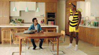 Honey-Comb TV Spot, 'Bee Big' Featuring Terry Crews - Thumbnail 2