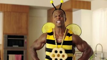 Honey-Comb TV Spot, 'Bee Big' Featuring Terry Crews - Thumbnail 8
