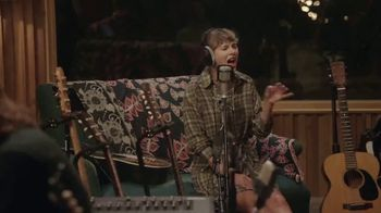 Disney+ TV Spot, 'Folklore: The Long Pond Studio Sessions' Song by Taylor Swift - Thumbnail 4