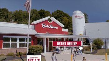 Bob Evans Restaurants Honey Butter Chicken and Biscuit  Breakfast TV Spot, 'Smothered' - Thumbnail 9