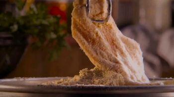 Bob Evans Restaurants Honey Butter Chicken and Biscuit  Breakfast TV Spot, 'Smothered' - Thumbnail 2