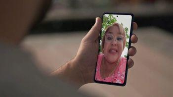 T-Mobile TV Spot, 'Sorpresa' con LeJuan James [Spanish] - Thumbnail 2