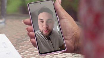 T-Mobile TV Spot, 'Sorpresa' con LeJuan James [Spanish] - Thumbnail 4