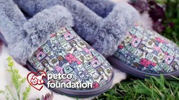 Bobs From SKECHERS TV Spot, 'PETCO Foundation: Thank You' - Thumbnail 5