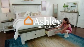 Ashley HomeStore Fall in Love With Home Sale TV Spot, 'Save an Additional 10%' - Thumbnail 3