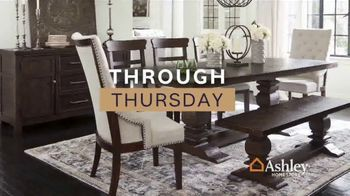 Ashley HomeStore Fall in Love With Home Sale TV Spot, 'Save an Additional 10%' - Thumbnail 5