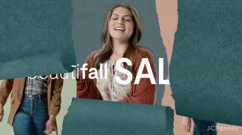 JCPenney Beautifall Sale TV Spot, 'Fall Fashion' - Thumbnail 2