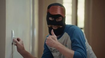 SimpliSafe TV Spot, 'At Home With Robbert: Blindfolded'